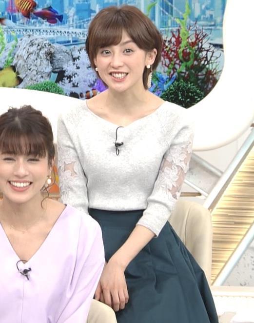 宮司愛海アナ 鎖骨露出!腕透け、乳寄せキャプ・エロ画像5