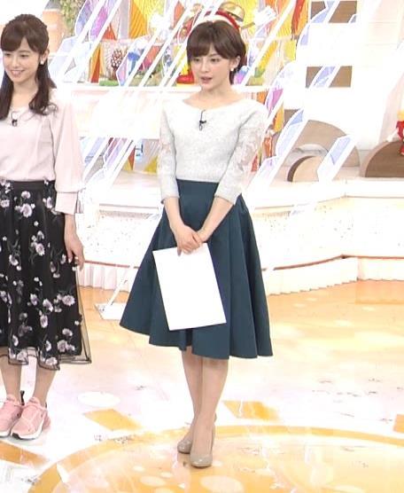 宮司愛海アナ 鎖骨露出!腕透け、乳寄せキャプ・エロ画像6