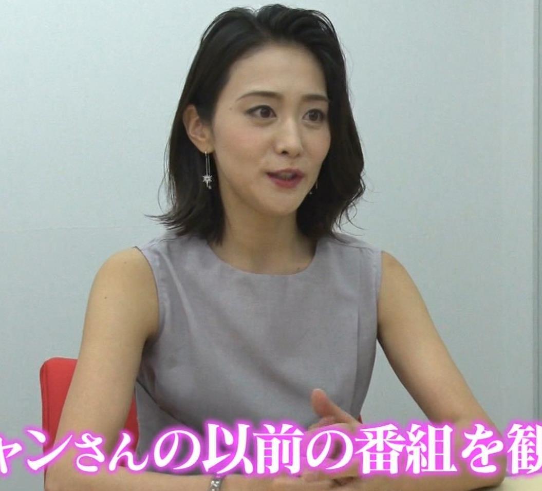 森葉子アナ セクシーノースリーブキャプ・エロ画像2