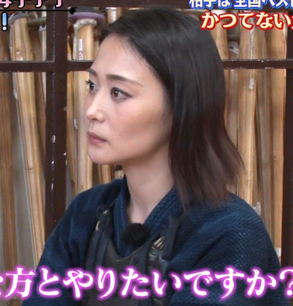 森葉子アナ セクシーノースリーブキャプ・エロ画像8