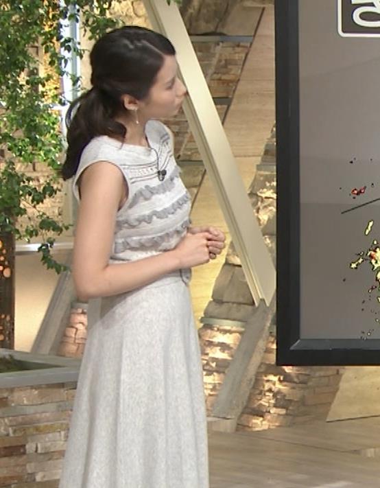 森川夕貴アナ またおっぱい強調されたノースリーブキャプ・エロ画像7