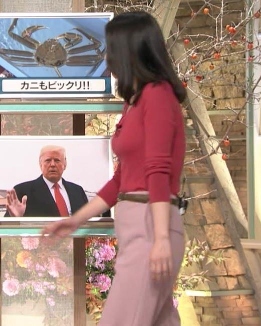 森川夕貴アナ ニット巨乳を両腕ではさむ!キャプ・エロ画像4