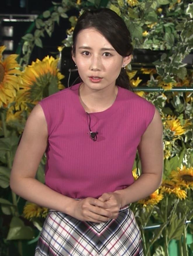 アナ ニットおっぱい&暑くて顔がテカテカキャプ・エロ画像3