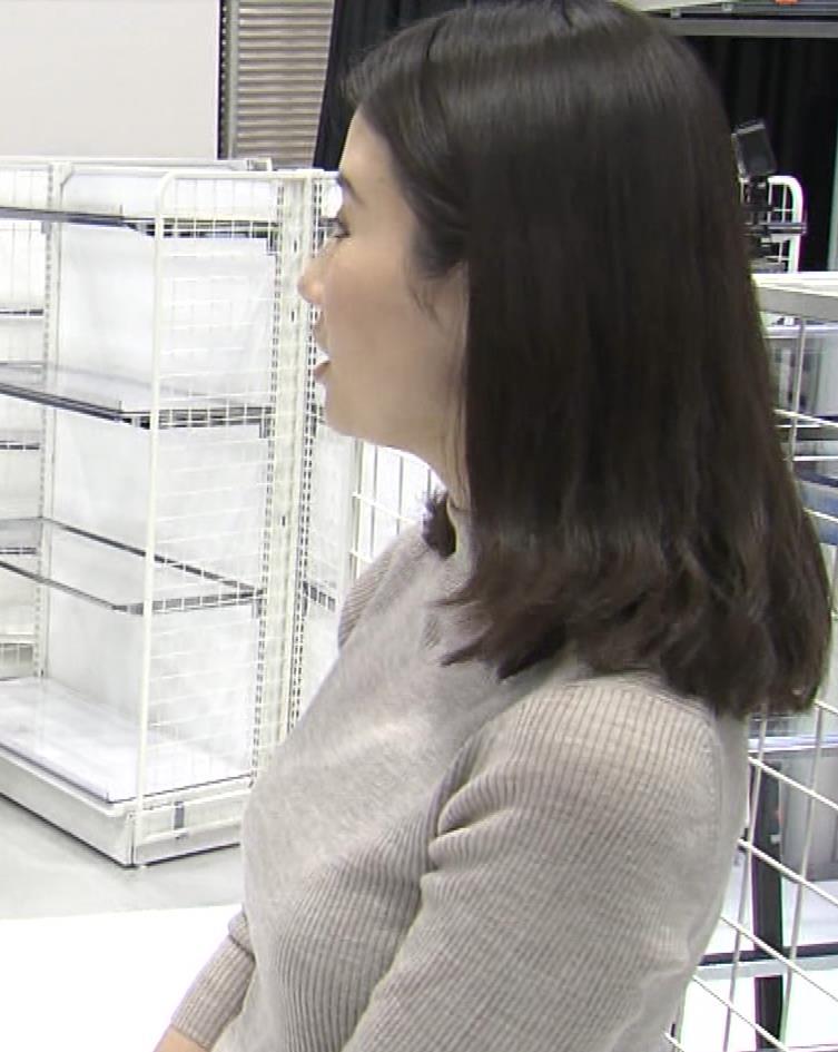 森川夕貴アナ 黒ニットの乳キャプ・エロ画像15