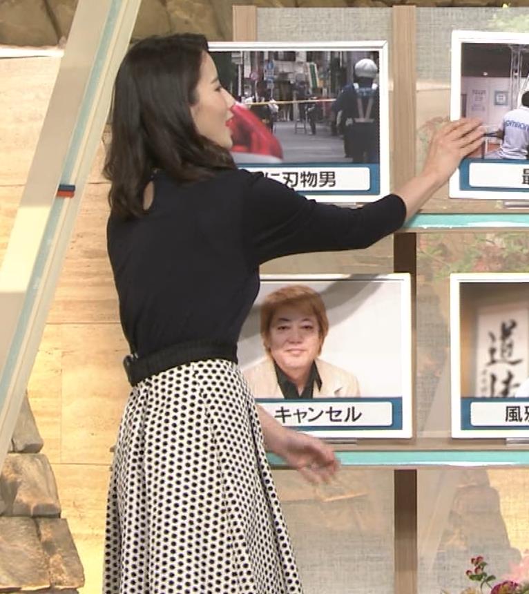 森川夕貴アナ 黒ニットの乳キャプ・エロ画像9