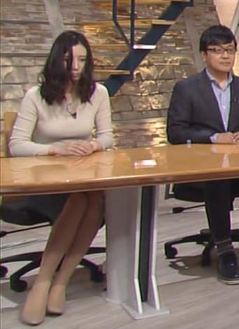 森川夕貴アナ 細身のニットおっぱい♡キャプ・エロ画像10