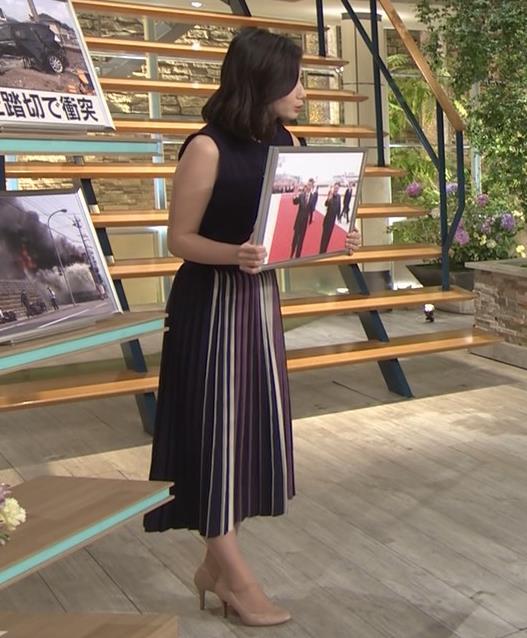 森川夕貴アナ 黒いノースリーブキャプ・エロ画像3