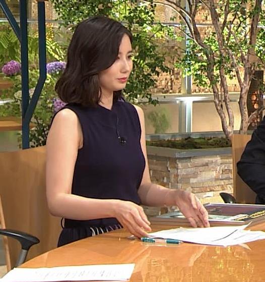 森川夕貴アナ 黒いノースリーブキャプ・エロ画像10