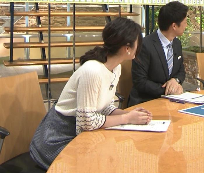 森川夕貴アナ 最近、巨乳キャラ化してるキャプ・エロ画像10