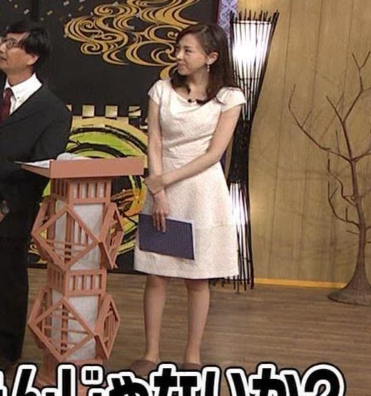 森本智子アナ セクシーな横乳キャプ・エロ画像3