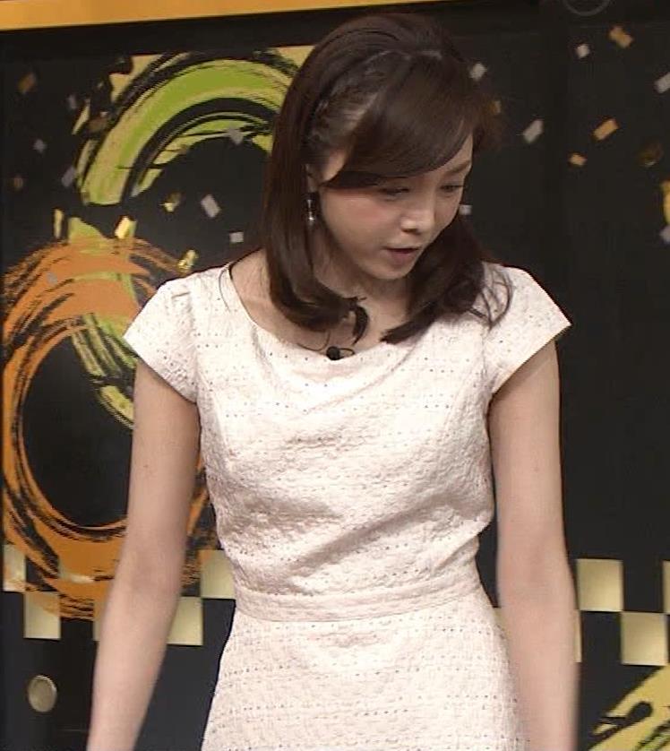 森本智子アナ セクシーな横乳キャプ・エロ画像4