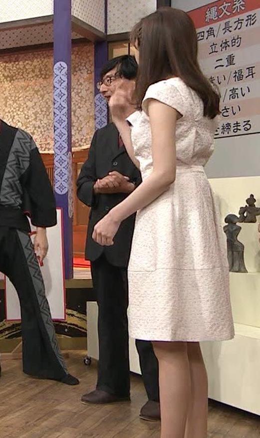 森本智子アナ セクシーな横乳キャプ・エロ画像6