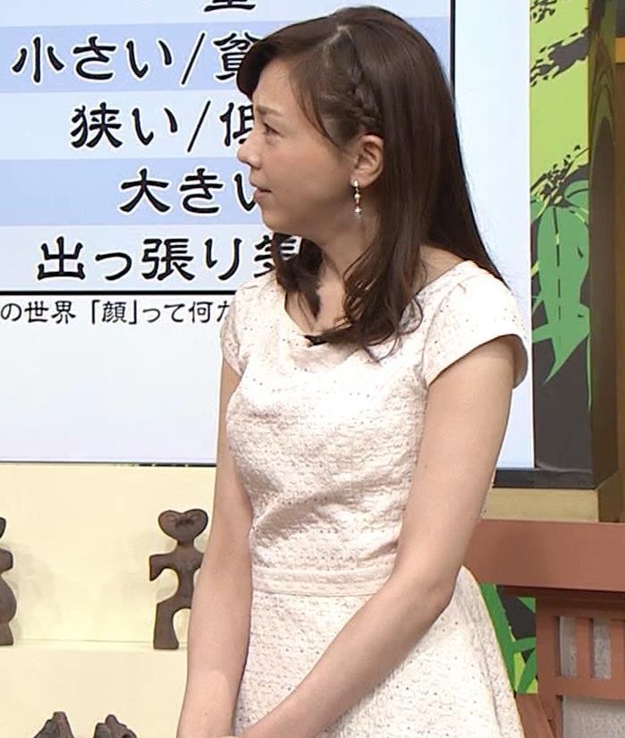 森本智子アナ セクシーな横乳キャプ・エロ画像7
