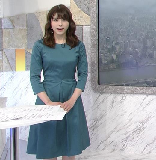 森山るり 巨乳パツパツ衣装キャプ・エロ画像3