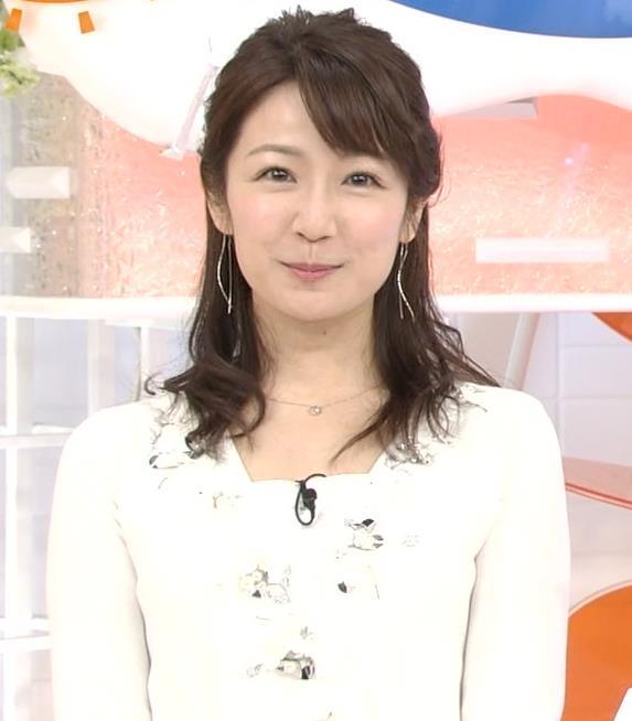 長野美郷アナ めざましどようび卒業回はちょっと胸元がエロいキャプ・エロ画像8