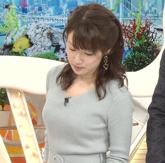 長野美郷アナ 胸のふくらみがいい感じのニットおっぱい♡キャプ・エロ画像3