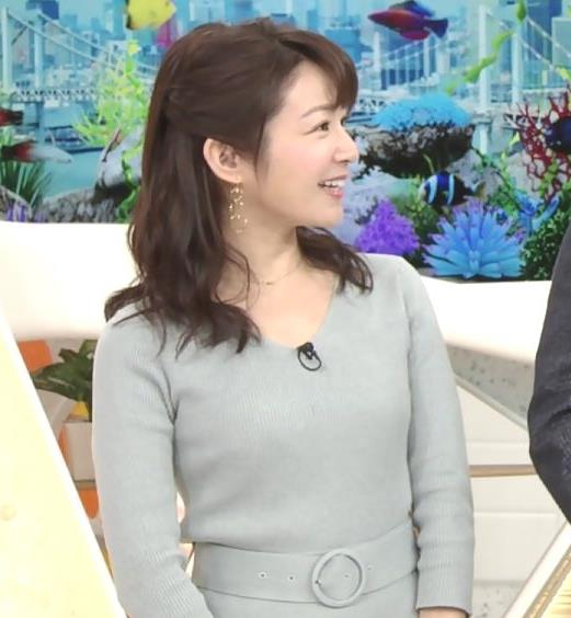 長野美郷アナ 胸のふくらみがいい感じのニットおっぱい♡キャプ・エロ画像4