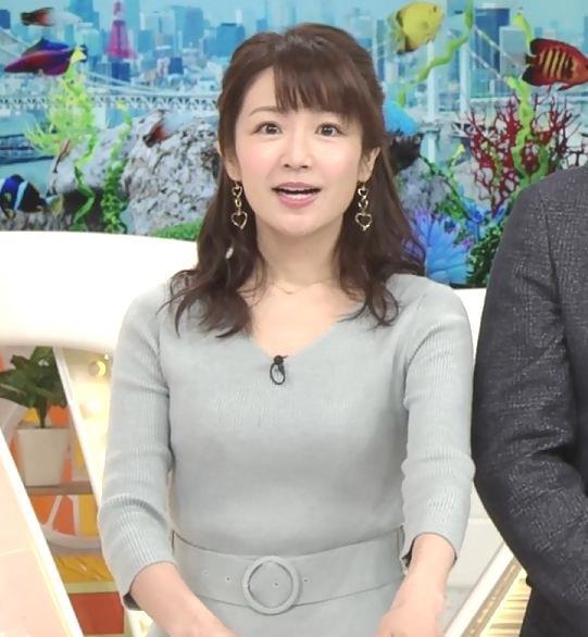 長野美郷アナ 胸のふくらみがいい感じのニットおっぱい♡キャプ・エロ画像5