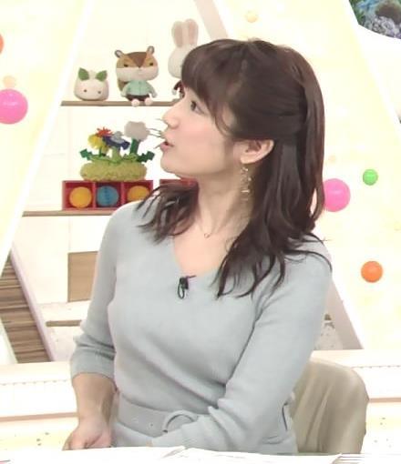 長野美郷アナ 胸のふくらみがいい感じのニットおっぱい♡キャプ・エロ画像10