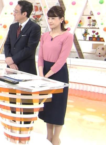 永島優美アナ ピチピチニットの横乳キャプ・エロ画像2