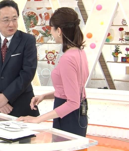 永島優美アナ ピチピチニットの横乳キャプ・エロ画像5
