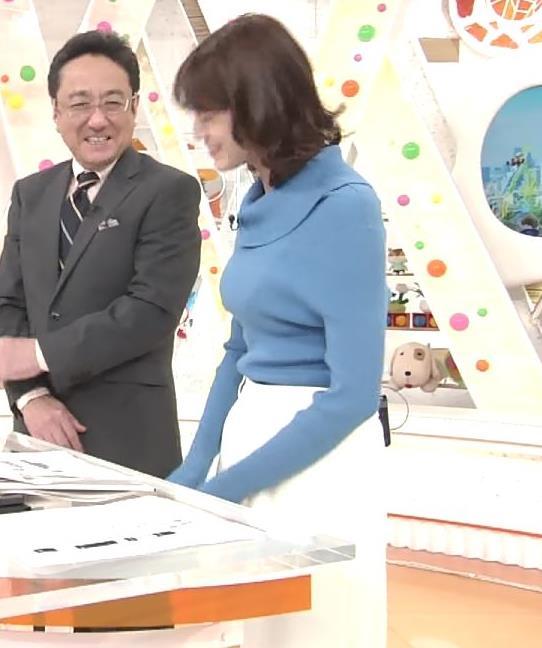 永島優美アナ ゆったりねのニットのほうがおっぱいがエロくない??キャプ・エロ画像2