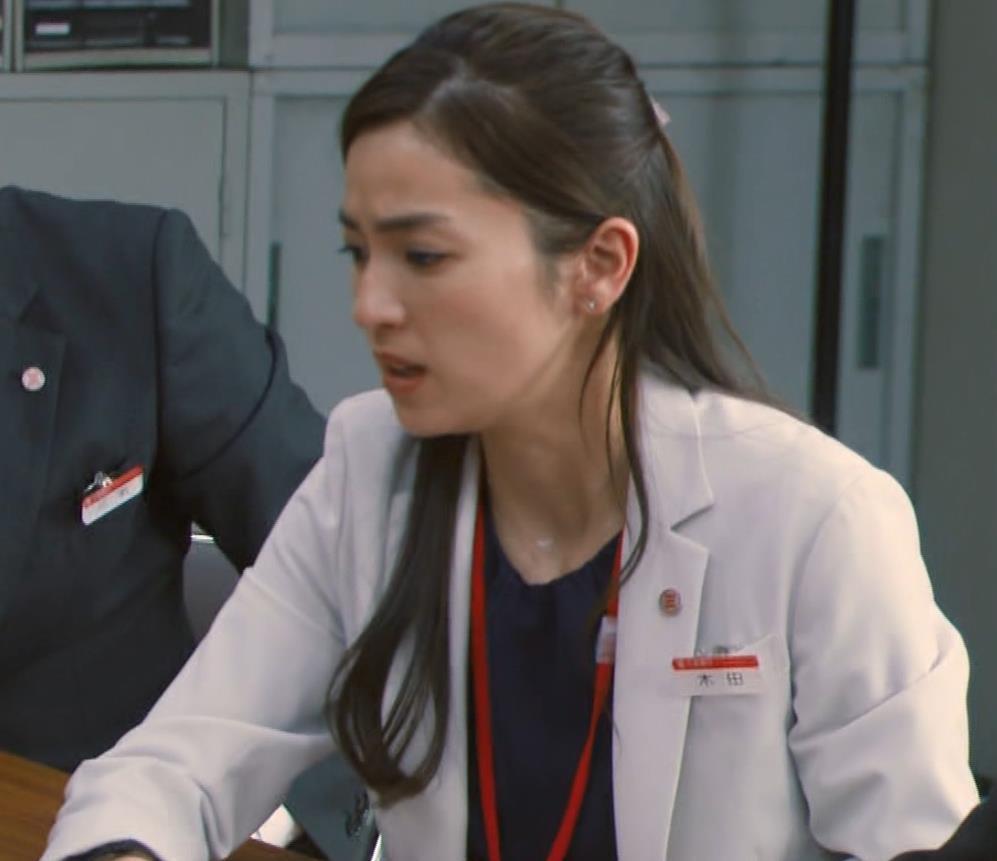 中村アン 銀行員役キャプ・エロ画像13