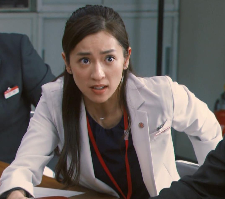 中村アン 銀行員役キャプ・エロ画像14