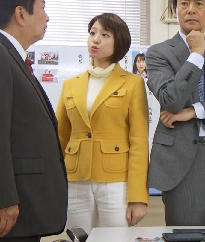 中村静 サスペンスドラマで乳揺れ(GIF動画)キャプ・エロ画像20