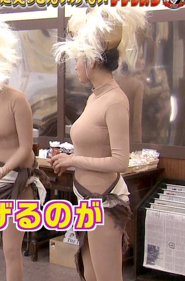 夏菜 肌色の全身タイツで巨乳がエロ過ぎキャプ・エロ画像7
