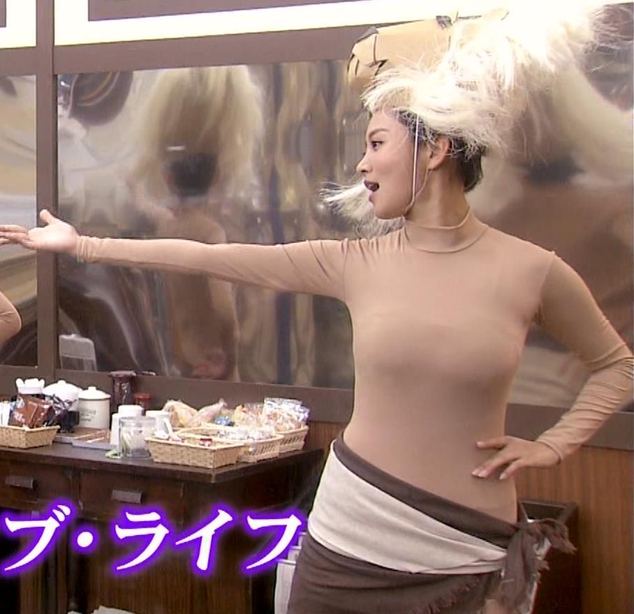 夏菜 肌色の全身タイツで巨乳がエロ過ぎキャプ・エロ画像10