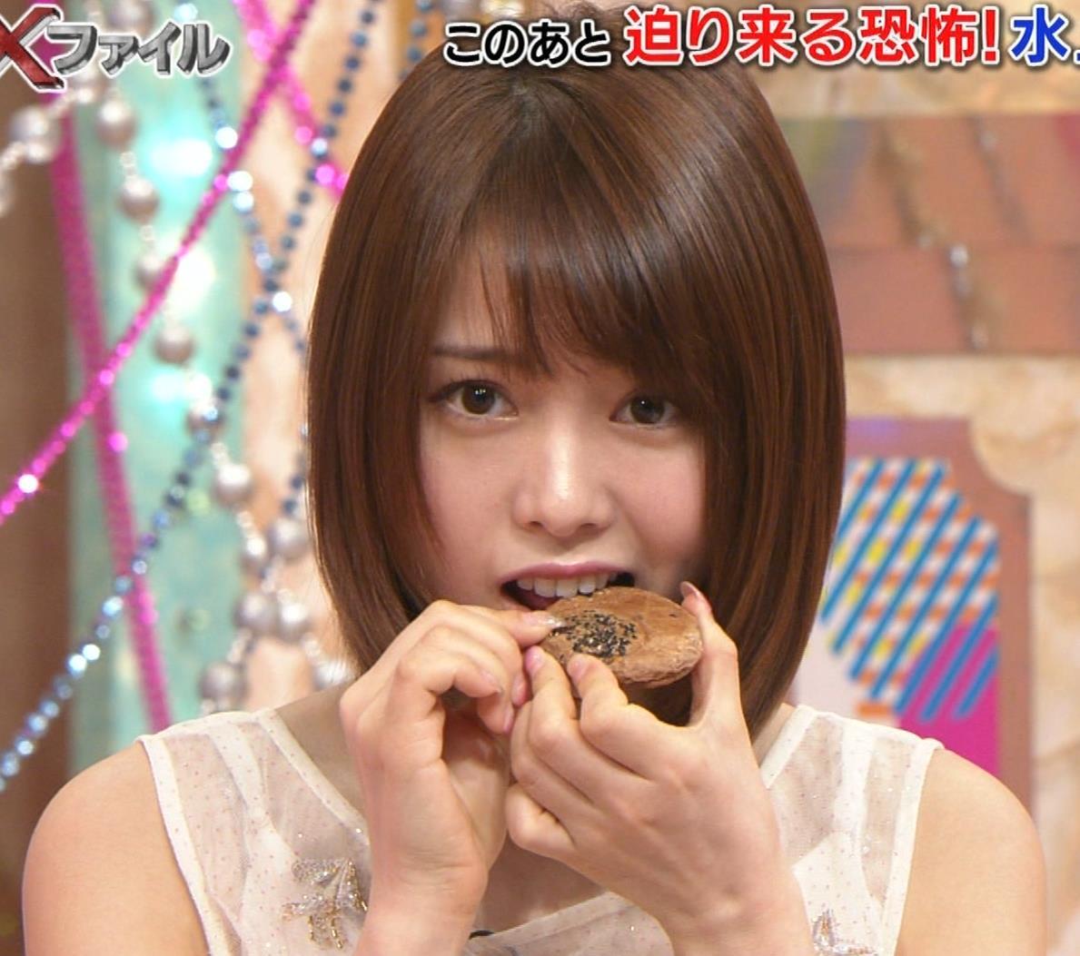 西村歩乃果 すごくかわいいアイドルの食べるところキャプ・エロ画像9