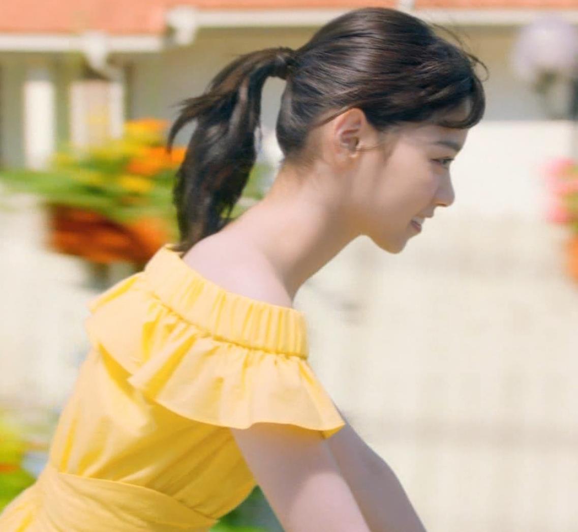 西野七瀬 エロかわいい日焼け止めのCMキャプ・エロ画像4