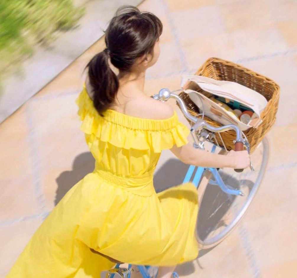 西野七瀬 エロかわいい日焼け止めのCMキャプ・エロ画像7