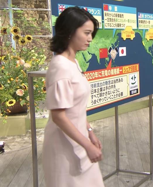 小川彩佳アナ 横から見たお胸とお尻キャプ・エロ画像4