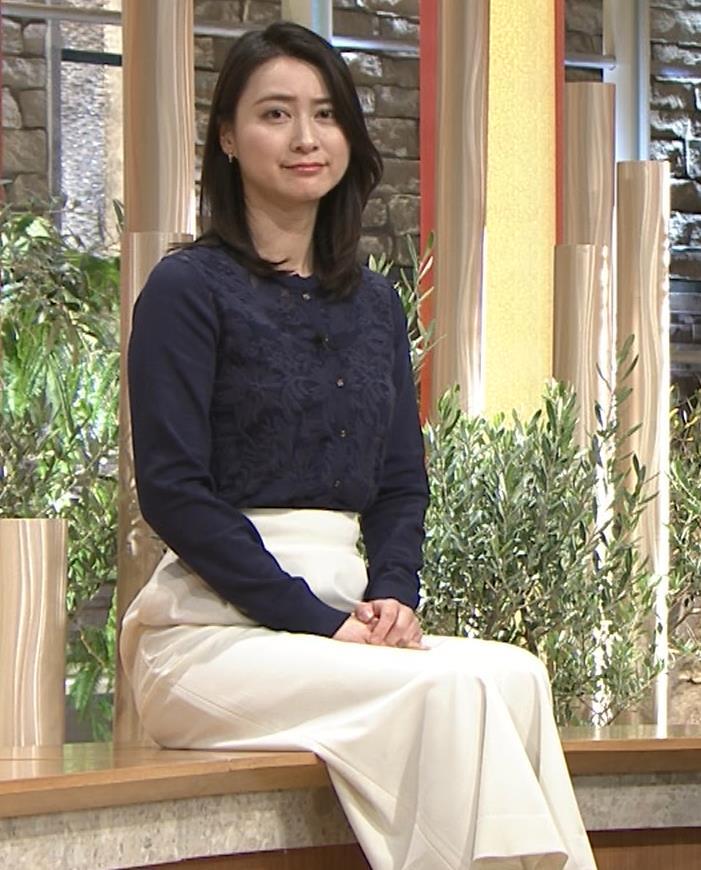 小川彩佳アナ スカートみたいなパンツスタイルキャプ・エロ画像
