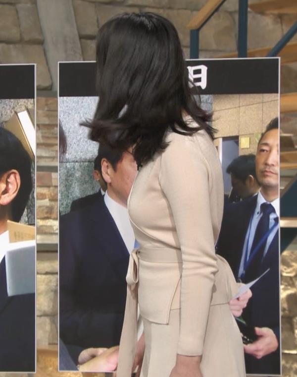 小川彩佳アナ 柔らかそうな横乳キャプ・エロ画像3