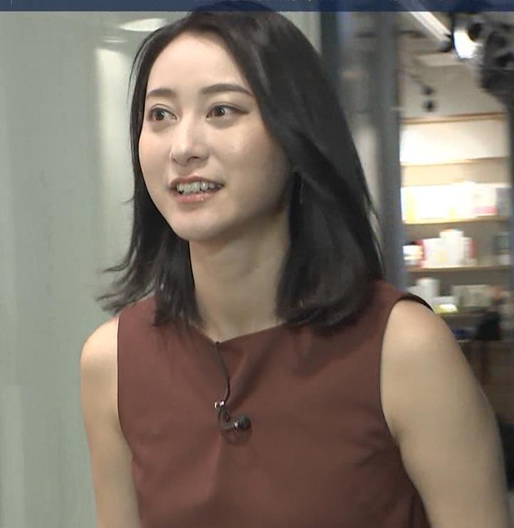小川彩佳 エロいインタビューキャプ・エロ画像