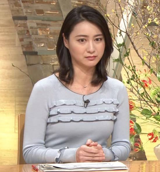 小川彩佳アナ 久しぶりにおっぱいがクッキリしてエロかったキャプ・エロ画像3