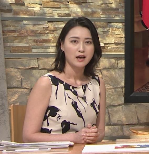 小川彩佳アナ セクシーなノースリーブワンピキャプ・エロ画像