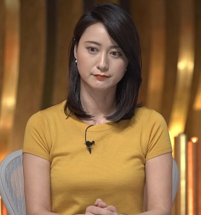 小川彩佳アナ ピチピチ衣装の横乳キャプ・エロ画像