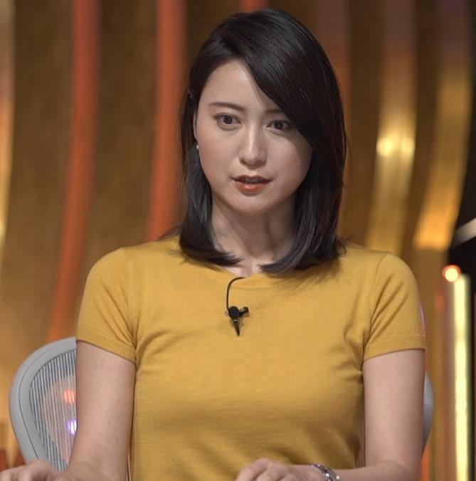 小川彩佳アナ ピチピチ衣装の横乳キャプ・エロ画像11