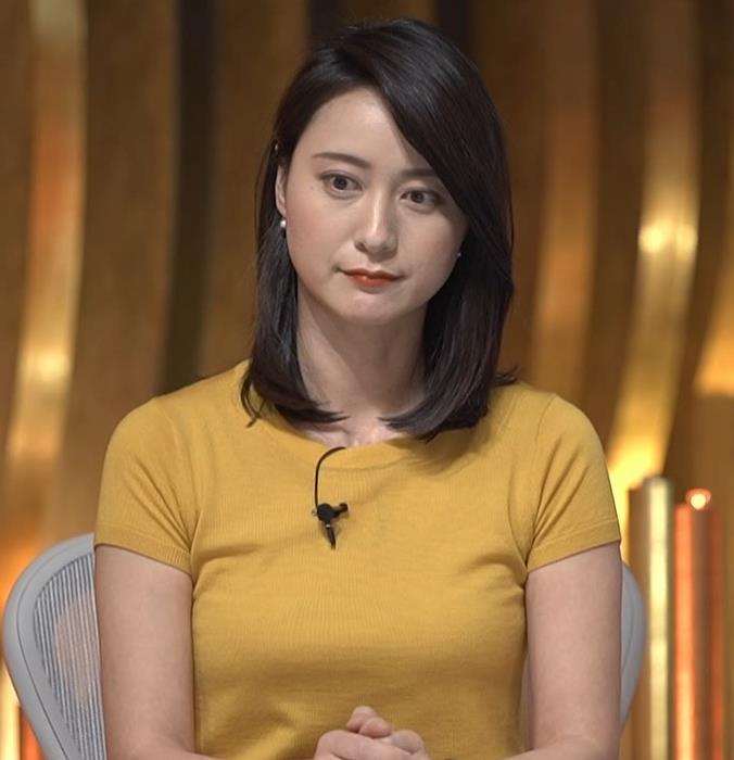 小川彩佳アナ ピチピチ衣装の横乳キャプ・エロ画像6