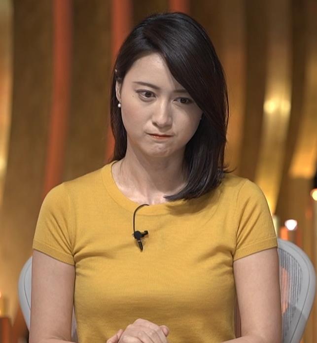 小川彩佳アナ ピチピチ衣装の横乳キャプ・エロ画像8