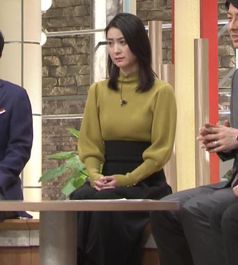 アナ おっぱいをクッキリさせるスカートキャプ・エロ画像5