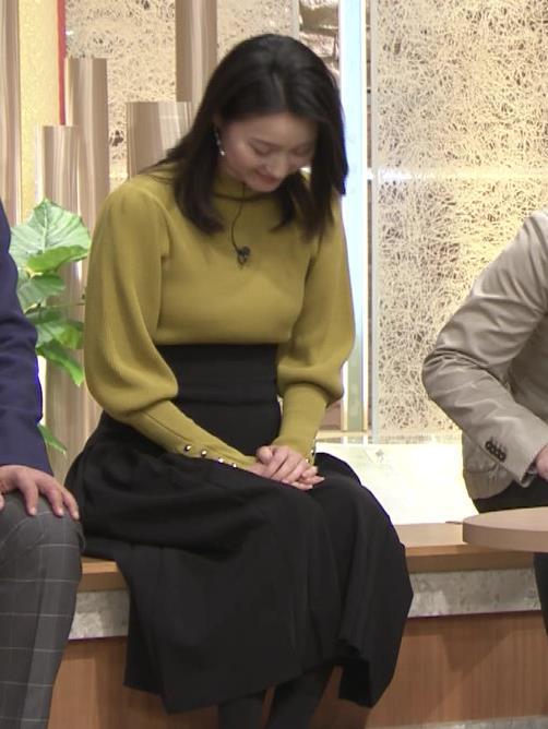 アナ おっぱいをクッキリさせるスカートキャプ・エロ画像6