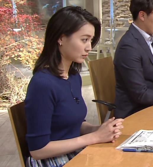 小川彩佳アナ ぴったりニットでクッキリお胸キャプ・エロ画像