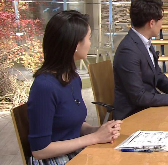 小川彩佳アナ ぴったりニットでクッキリお胸キャプ・エロ画像4