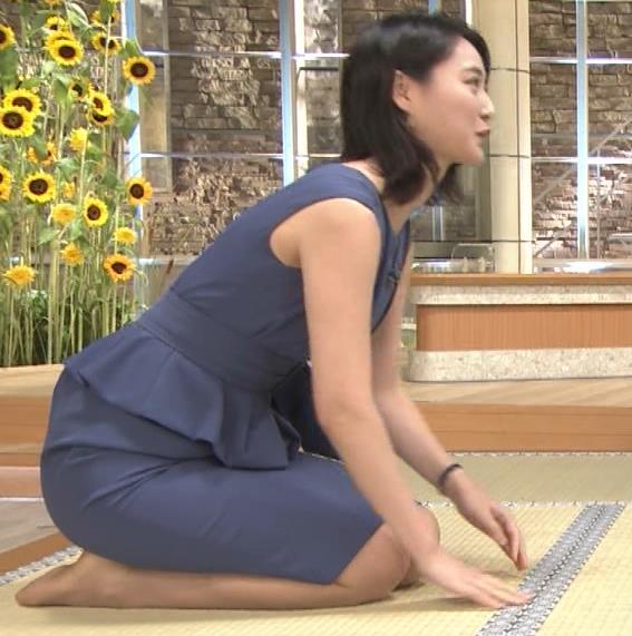 小川彩佳アナ スカートでの正座がエロいキャプ・エロ画像3