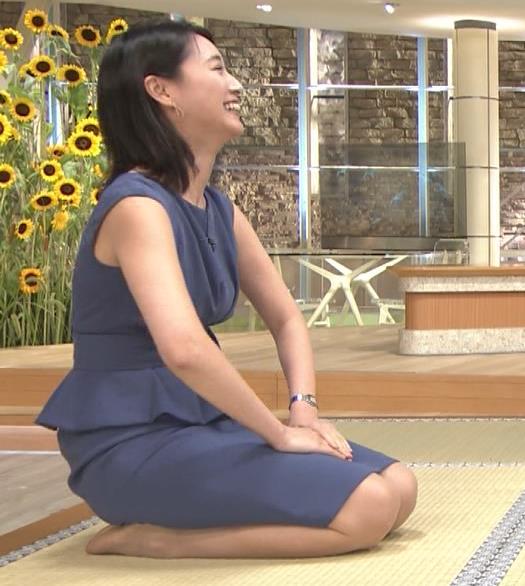 小川彩佳アナ スカートでの正座がエロいキャプ・エロ画像7